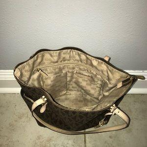 Gently used Michael Kors purse!